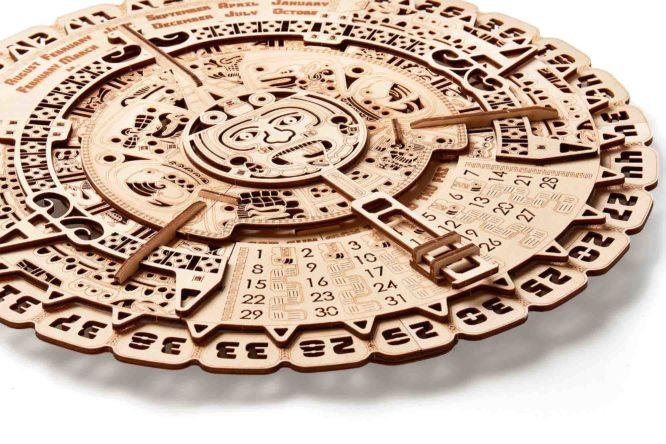 """Koka konstruktors """"Maiju kalendārs"""""""