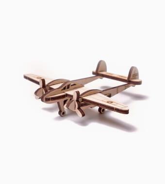 """Koka konstruktors """"Vudiks – Zibens ātra lidmašīna"""""""