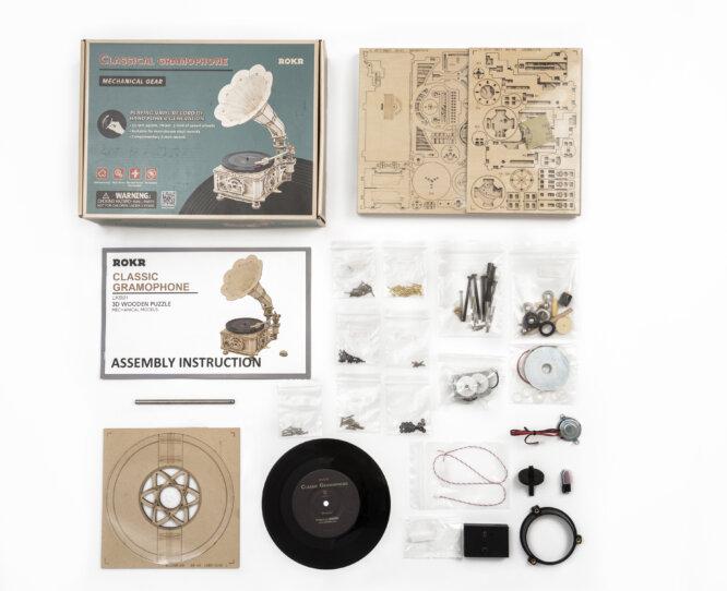 "Koka konstruktors ""Klasiskais gramofons"""